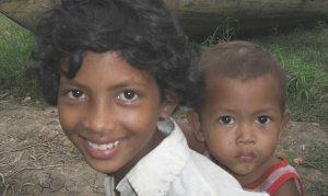 Children in Bakprea floating village near the Tonle Sap